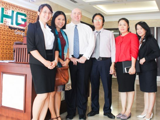 Leaders of NHG welcomed Sir Neil James, the British Deputy Consul General, visiting the group office on June 8th, 2016