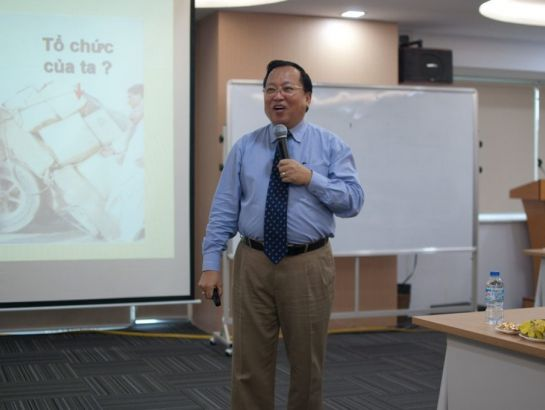 "The seminar ""Strategic Thinking for leadership & management - Access to ideas & new business model"" by Professor. Augustine Ha Ton Vinh"