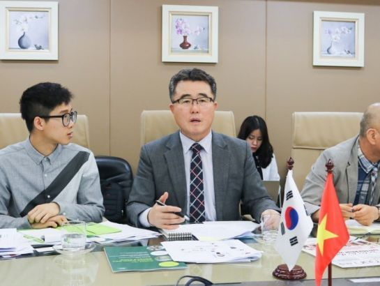 On December 19th, 2016, NHG International relations team met with Korean University Konkuk, headed by Mr. Chan Hee Park, Vice President of Foreign Affair. The discussion centered on building a complete strategic cooperation between Konkuk and NHG