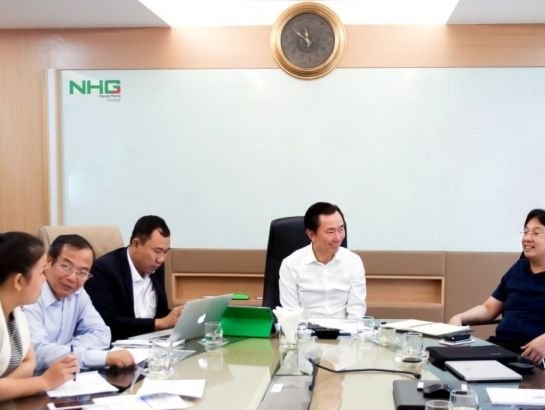 Embassador Pham Sanh Chau had a discussion with NHG leaderships about the UNESCO education organization and other education operations worldwide on September 17, 2016