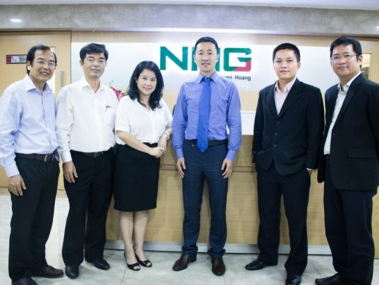 Mr. Ziping Feng, Marketing Director of Thompson River University, Canada had an exchange with NHG management at NHG office on October 10th, 2016