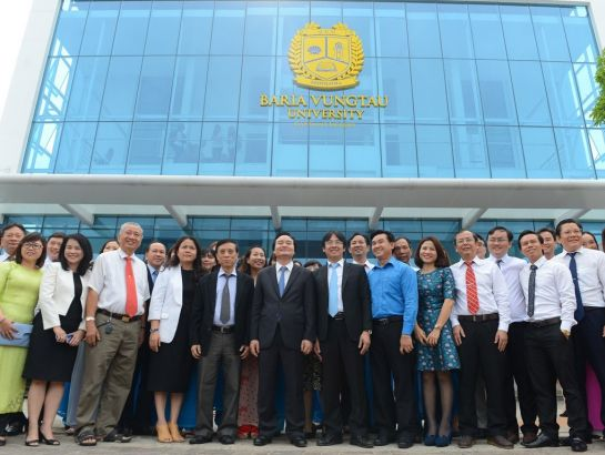 Prof. Phung Xuan Nha – Minister of Education and Training visited BVU & UKA on March, 14th, 2017.