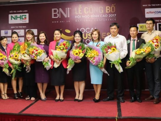 Ms. Hoang Nguyen Thu Thao, CEO of NHG, Mr. Ho Quang Minh, Chairman of BNI Vietnam and BNI's regional leaders at the event.