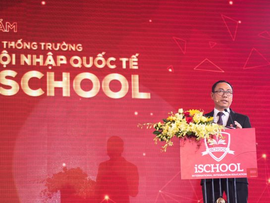 Mr. Nguyen Ngoc Tuan – Management Director of iSchool announced development strategy in the next 5 years of the whole system.
