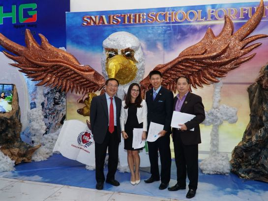 "The judges took photo with SNA's Eagle Nest - which won the first prize of ""Together Building Eagle Nest"" Contest."