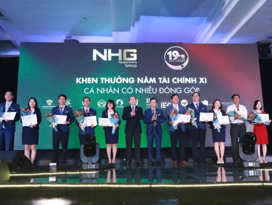 Awarding prizes for individuals having many contributions in financial year XI.