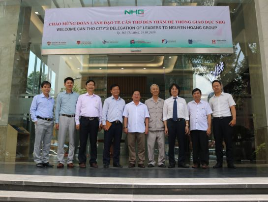 Can Tho city's delegation and NHG's leaders at NHG headquarter on May 26th.
