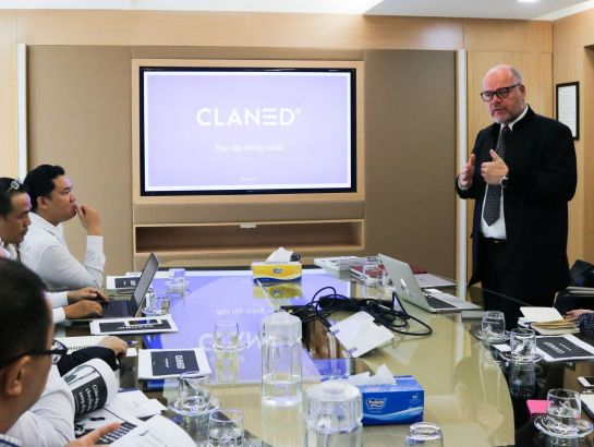 Mr. Pertti Jalasvirta, Senior Advisor of Claned gave a detailed introduction of Claned's smart learning model at the meeting (September, 12, 2017)
