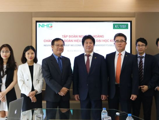 Dr. Dinh Quang Nuong, Deputy CEO of NHG had meeting with Konkuk University delegations at NHG office