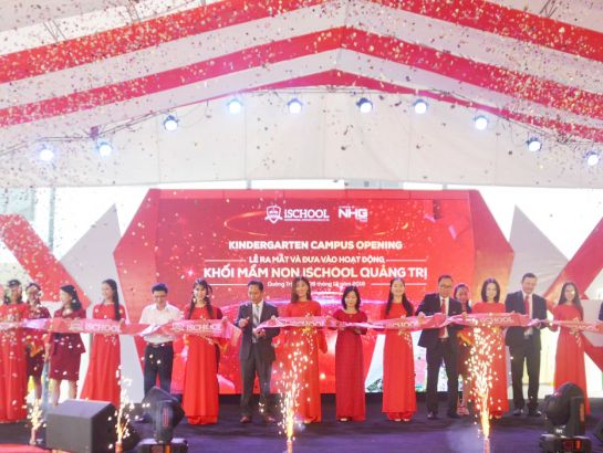 Ribbon cutting ceremony of the inauguration of kindergarten campus, iSchool Quang Tri.