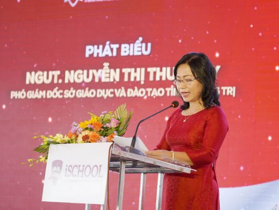 Ms. Nguyen Thi Thu Thuy – Deputy Director of Quang Tri DoET speaking at the ceremony.
