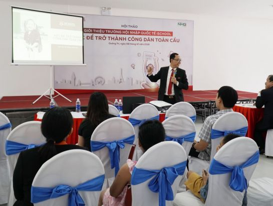 "The workshop ""Learn to become global citizen"", which attracted many parents, was held right after the ceremony."