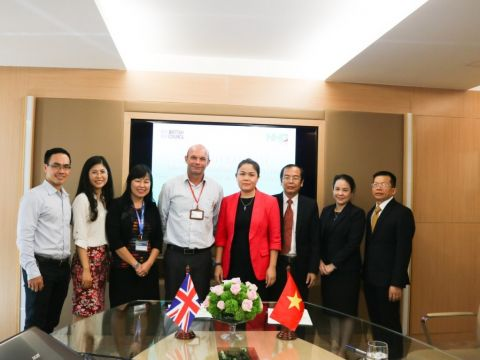 On November 21, NHG and the British Council signed a formal authorization in organizing the IELTS exam, which begins the process for NHG's evaluation and improvement of English teaching quality particularly in Vietnam.