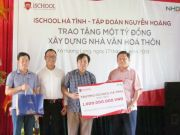 Mr. Nguyen Ngoc Tuan, on behalf of iSchool Ha Tinh, donated a billion VND to the establishment of the Culture House in Huong Long commune