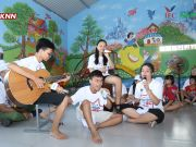 In addition, they played many musical performances, expressing their love and inspiring children at Phu Hoa orphanage