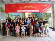 Students of International Education City - IEC Quang Ngai brought with them meaningful Tet gifts to children at Phu Hoa orphanage in Quang Ngai.