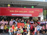 Students of the UK Academy international bilingual school (UKA) and representatives of NHG visited, presented gifts and 90 million VND in cash to Belem orphanage, Thua Thien Hue.